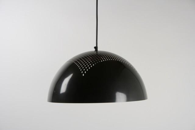 Hängeleuchte, Halbkugel mit Lochstruktur, Metall, schwarz