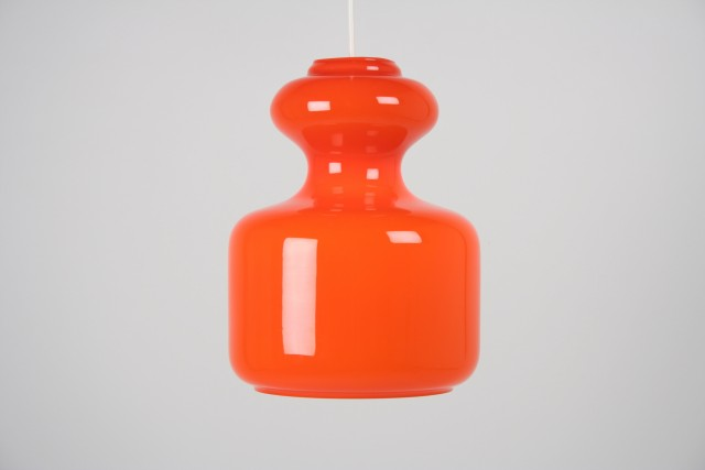 Deckenleuchte Glockenform, Opalglas innen, orange