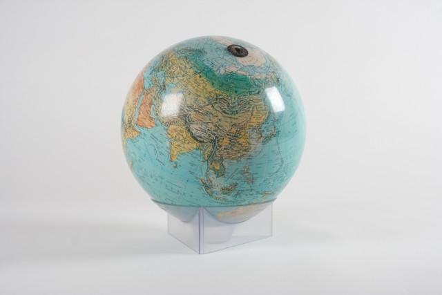 Globus Erde gross, Schalenständer mit Lupe